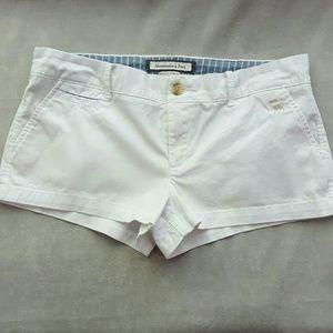 Abercrombie & Fitch  white chino shorts sz. 8